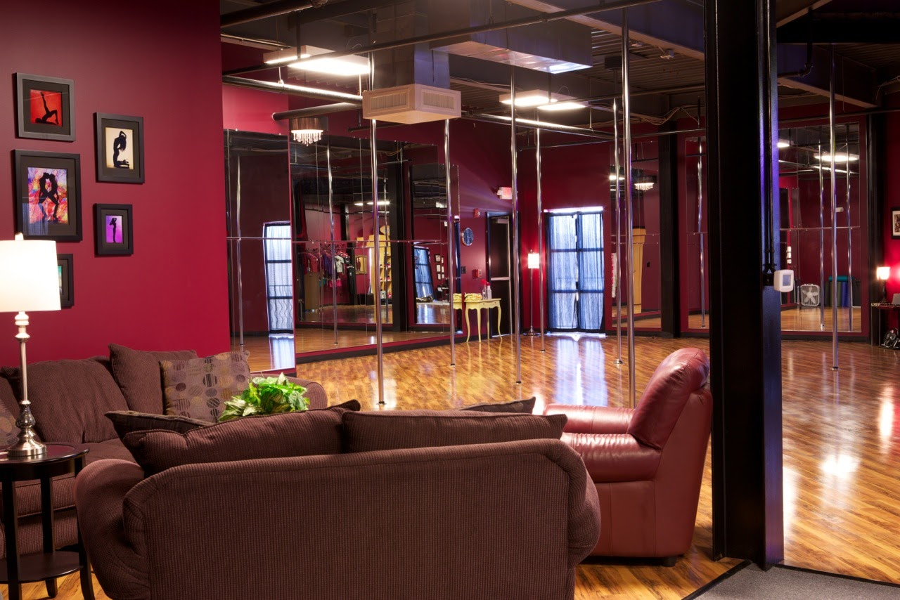 PoleFit Carolinas Rated #1 Charlotte Pole Dance Studio - photo