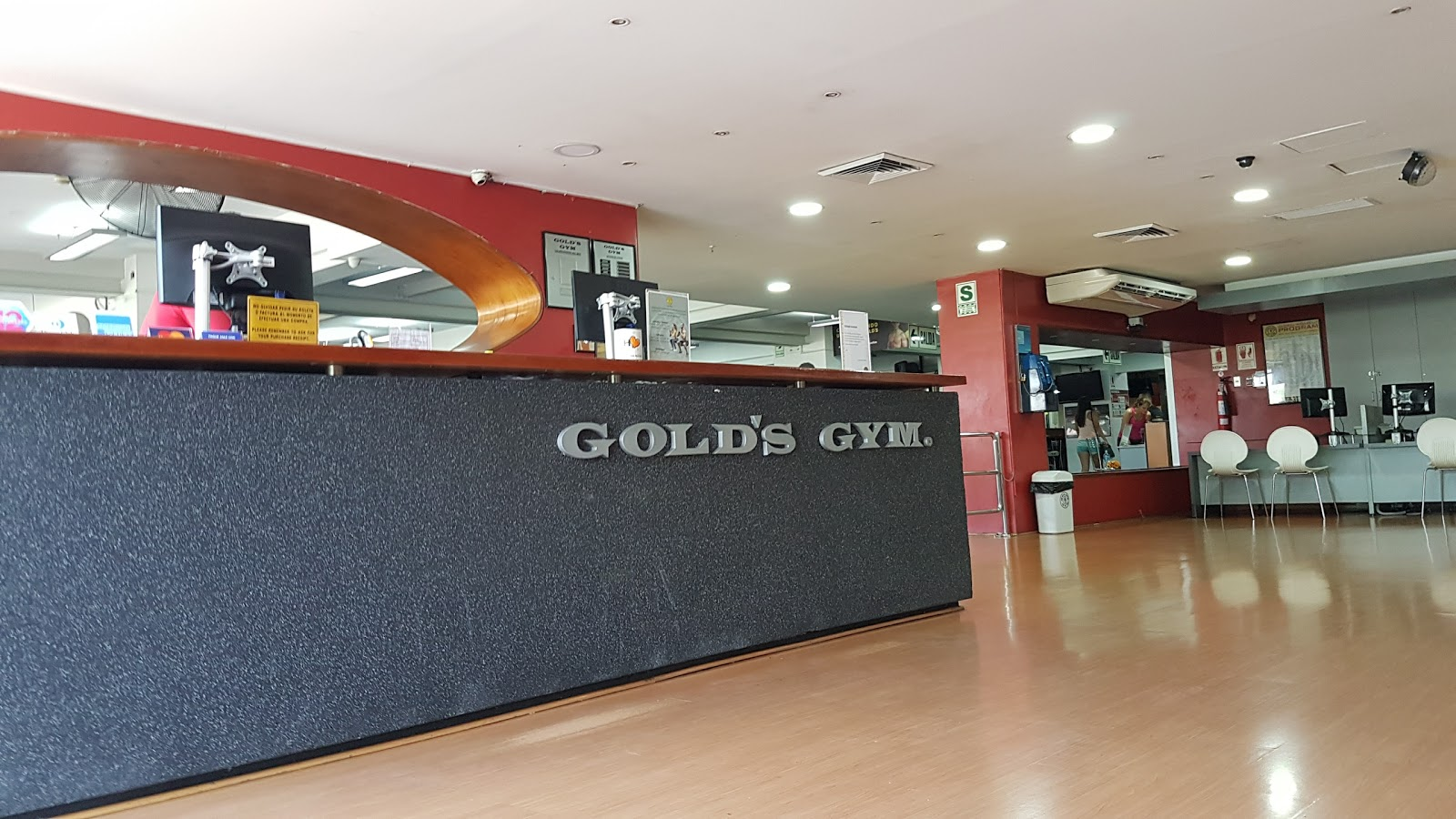 Gold's Gym - photo